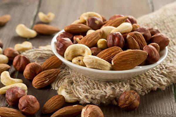 脂肪对于人体起着关键作用,甚至能使营养素吸收率增至10倍以上。(Shutterstock)