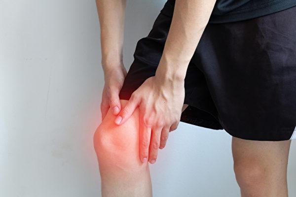腱鞘巨细胞瘤通常长在膝盖,是膝盖滑囊发炎、增生,引起的良性肿瘤。(Shutterstock)