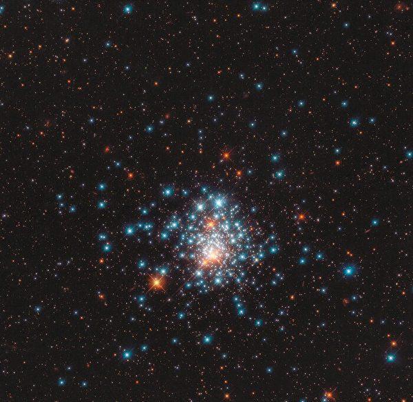 9月7日發佈的星團NGC 1805,由美國太空總署/歐空局哈勃太空望遠鏡拍攝。(Credit:ESA/Hubble & NASA, J. Kalirai)
