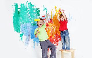 【爸妈必修课】留一面墙给孩子作画 颁一张奖状给太太