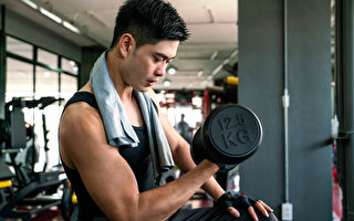 提升肌力防慢性病、降死亡率 重训2原则不受伤