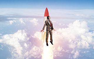 美航班機通報塔台:有人在3000呎高空飛行