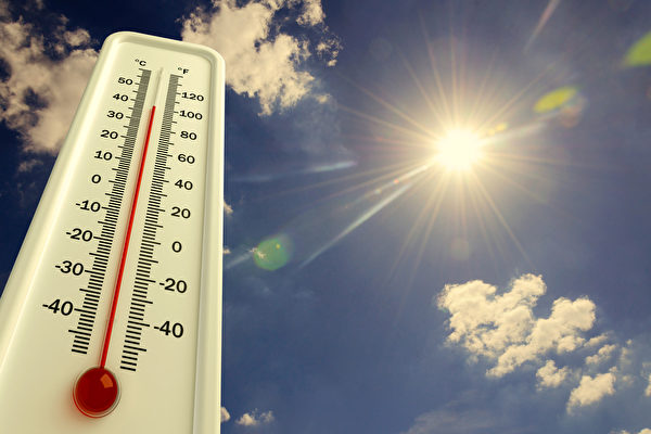 高温天气下人们如何保持健康