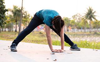 伸展让身体柔软 有3大好处 1动作消除脖子僵硬