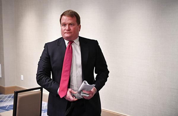 亨特·拜登前商業夥伴托尼·波布林斯基(Tony Bobulinski)10月22日召開新聞會,爆料拜登家族海外交易醜聞。(MANDEL NGAN/AFP)