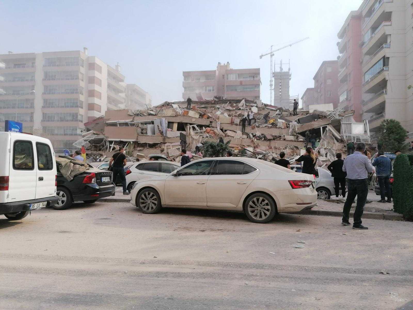 強震襲土耳其希臘近海 至少19死逾700傷