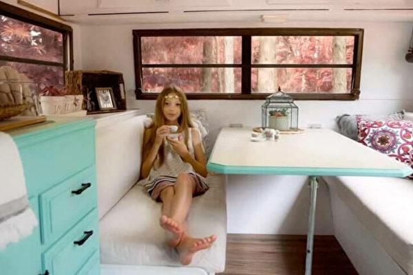 美国11岁才女购露营车 自己装修成温馨小家