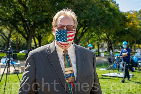 「美國人支持小政府」組織主席理查德·曼寧(Richard Manning)。(林樂予/大紀元)