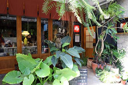 传递温暖的友善店家——月霞咖啡。