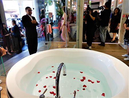 展示中心設9個樣品體驗區域,提供參觀民眾家中任何一個角落的想像空間。