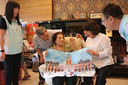 林黃勸阿嬤從90歲開始畫畫,看到美麗的圖片,就會去畫,如她畫出她沒有去過的總統府。