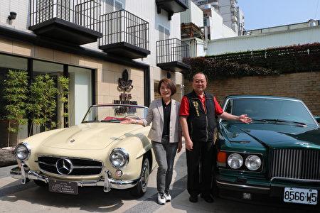 嘉义市副市长陈淑慧(左)与阿管处处长马惠达为11/7~11/9的活动作宣传。