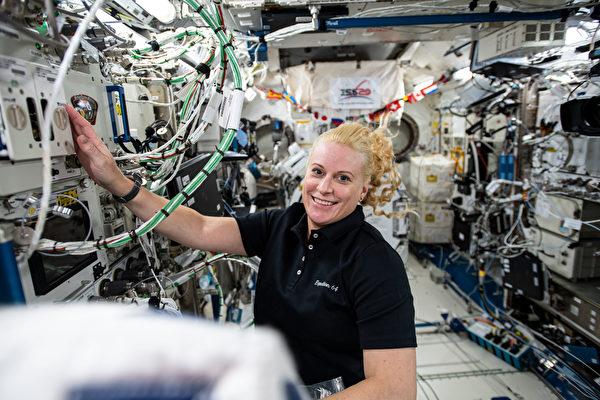 身在幾百公里天外 美國女太空人完成投票