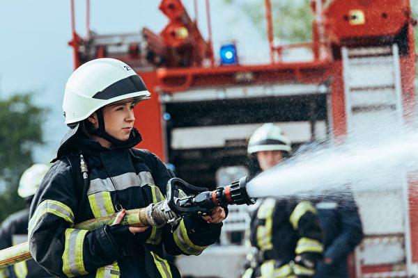57年来首次 美佛州消防队成立全女性团队