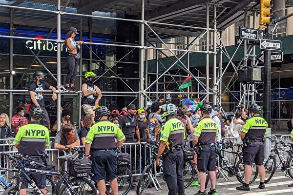 大選後或爆抗議示威 紐約警局加強警官培訓