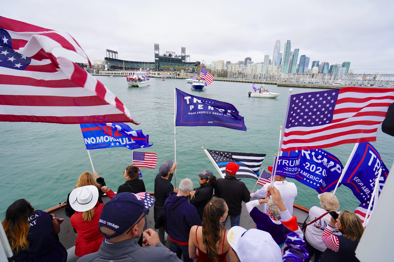 深藍三藩市揚紅帆 保守派船隊遊行挺特朗普