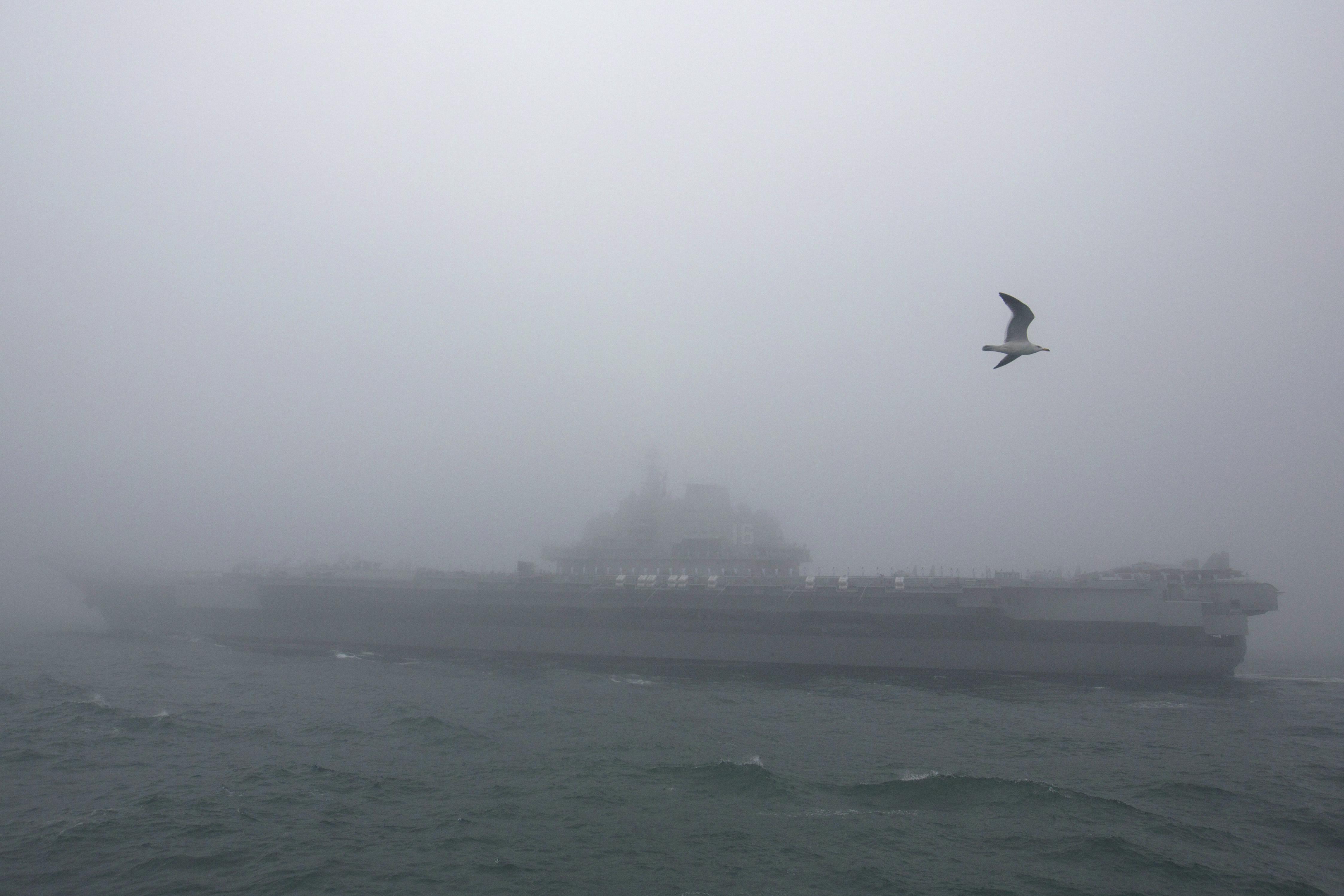 沈舟:習近平降調門 想掌軍權到2027?
