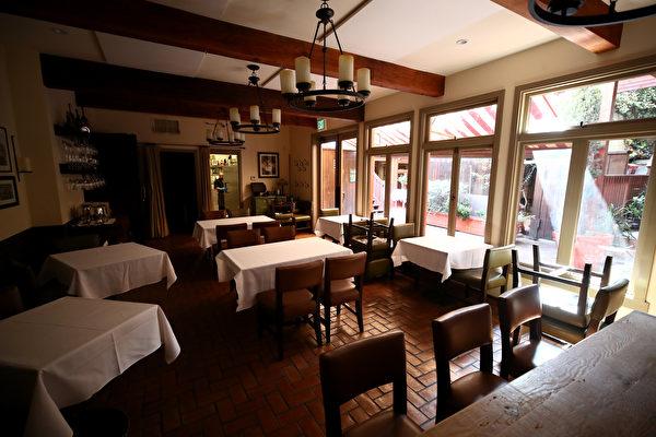 聖塔克拉拉縣下週 允許餐廳室內用餐