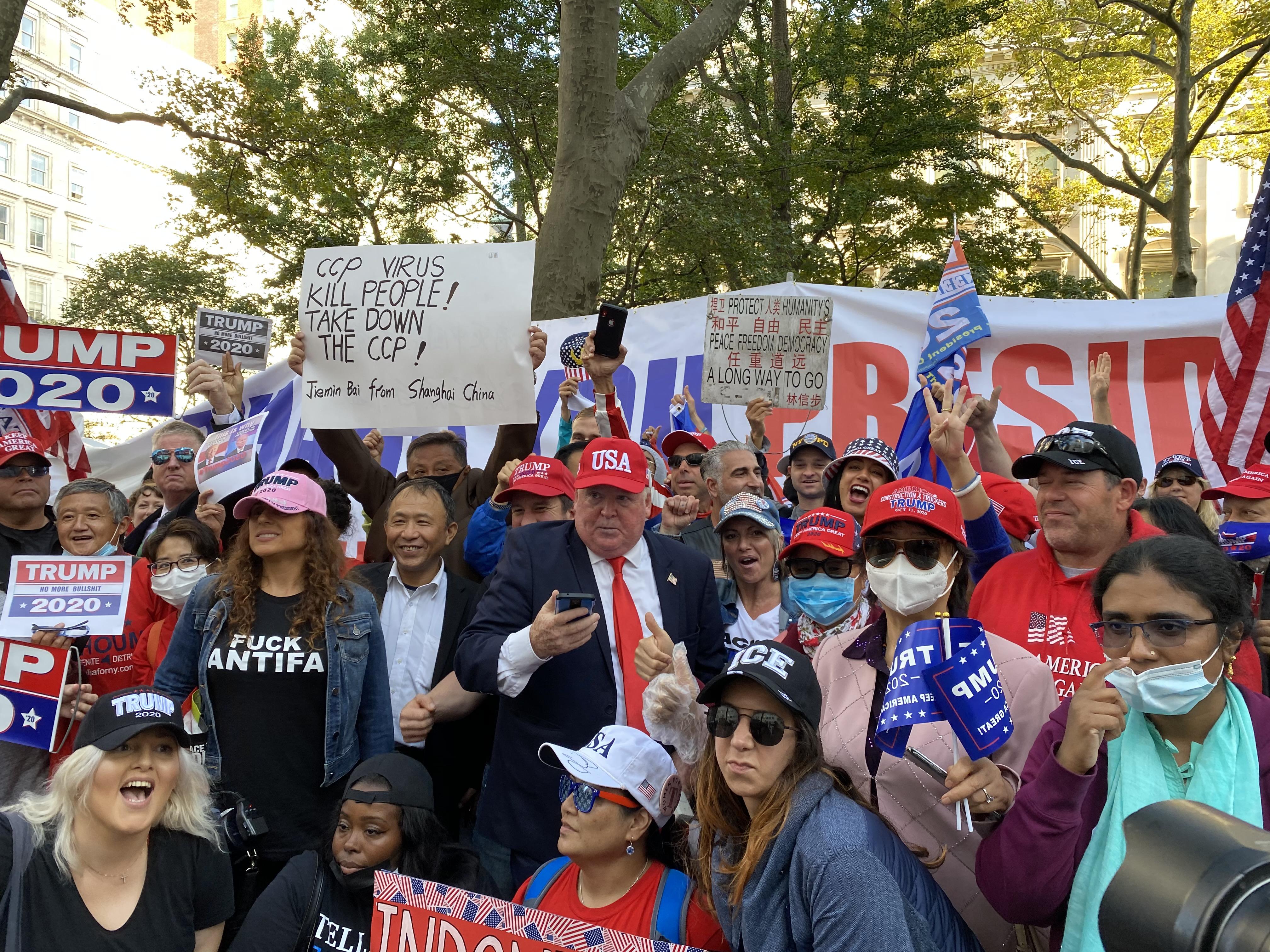 曼哈頓挺特大遊行 華人:絕不讓搞社會主義