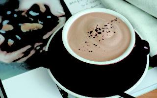 """在家煮""""栗子巧克力奶茶"""" 乳糖不耐也可以喝!"""