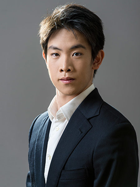 Principal Dancer Piotr Huang