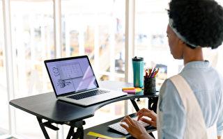 久坐無益 增高檯讓你站著辦公更健康