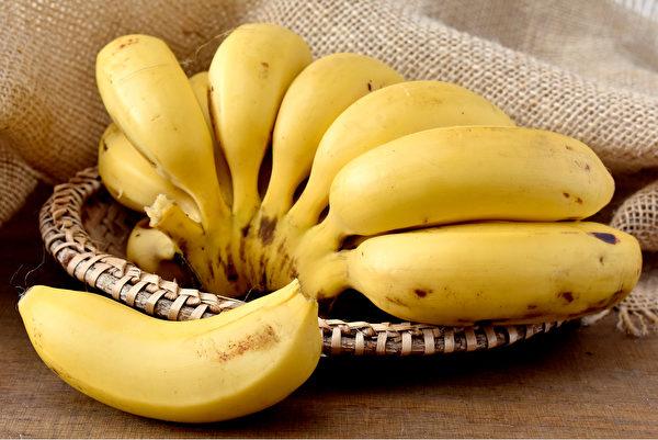 运动后以一根香蕉搭配一杯无糖豆浆或茶叶蛋,可补充蛋白质和碳水化合物。(Shutterstock)
