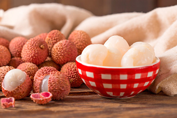 荔枝肉通神益智,甘溫益血,益人顏色。(Shutterstock)