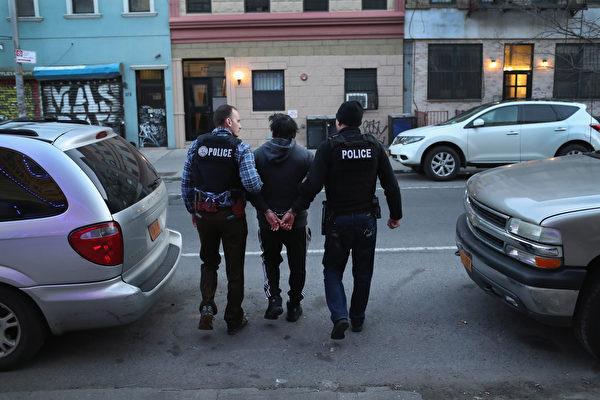 美国移民及海关执法局行动 抓获128名非法移民