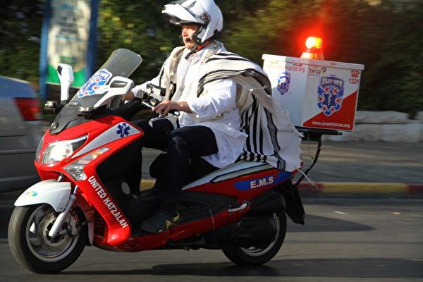 比救护车快 以色列摩托急救队正走向全球