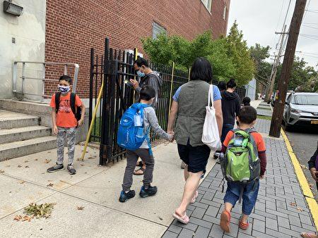 纽约市确诊率上升,7天平均确诊率超3%,将全面关闭学校。