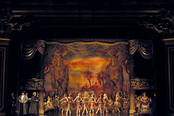 《歌剧魅影》团队抵台 隔离14天防疫做满