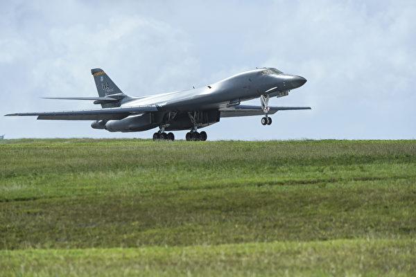中共軍機頻擾台 美兩架B-1轟炸機飛臨東海