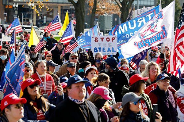 組圖:美國民眾挺川普集會 抗議大選舞弊