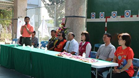 北園國小校長吳長穎表示,風雨球場是屬於通風的地方,比在室內比賽安全許多,因為在疫情期間,還能讓400多位學生來參賽相當不容易。