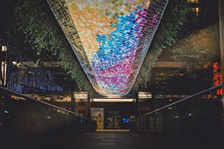 彩虹光橋。