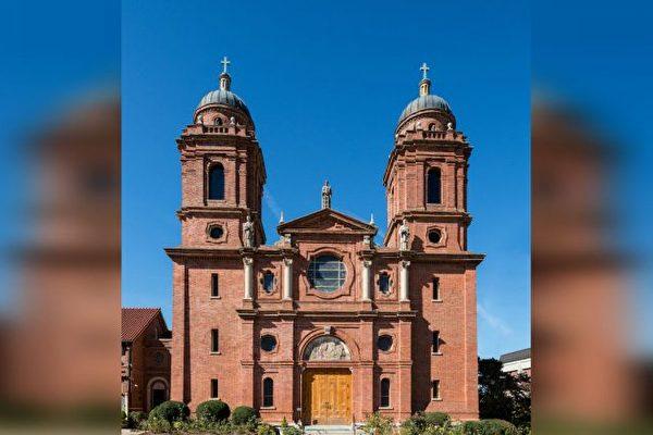 阿什维尔, 圣圣劳伦斯教堂