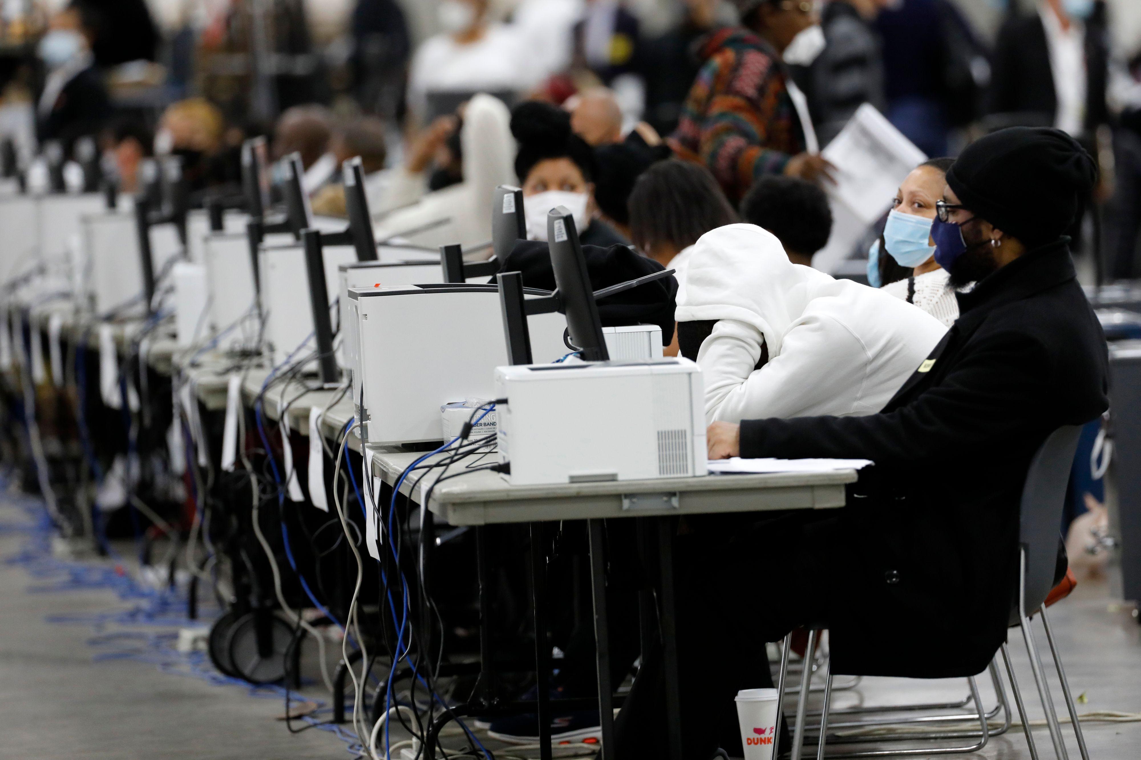 聯邦參議員候選人:密歇根應延遲大選認證