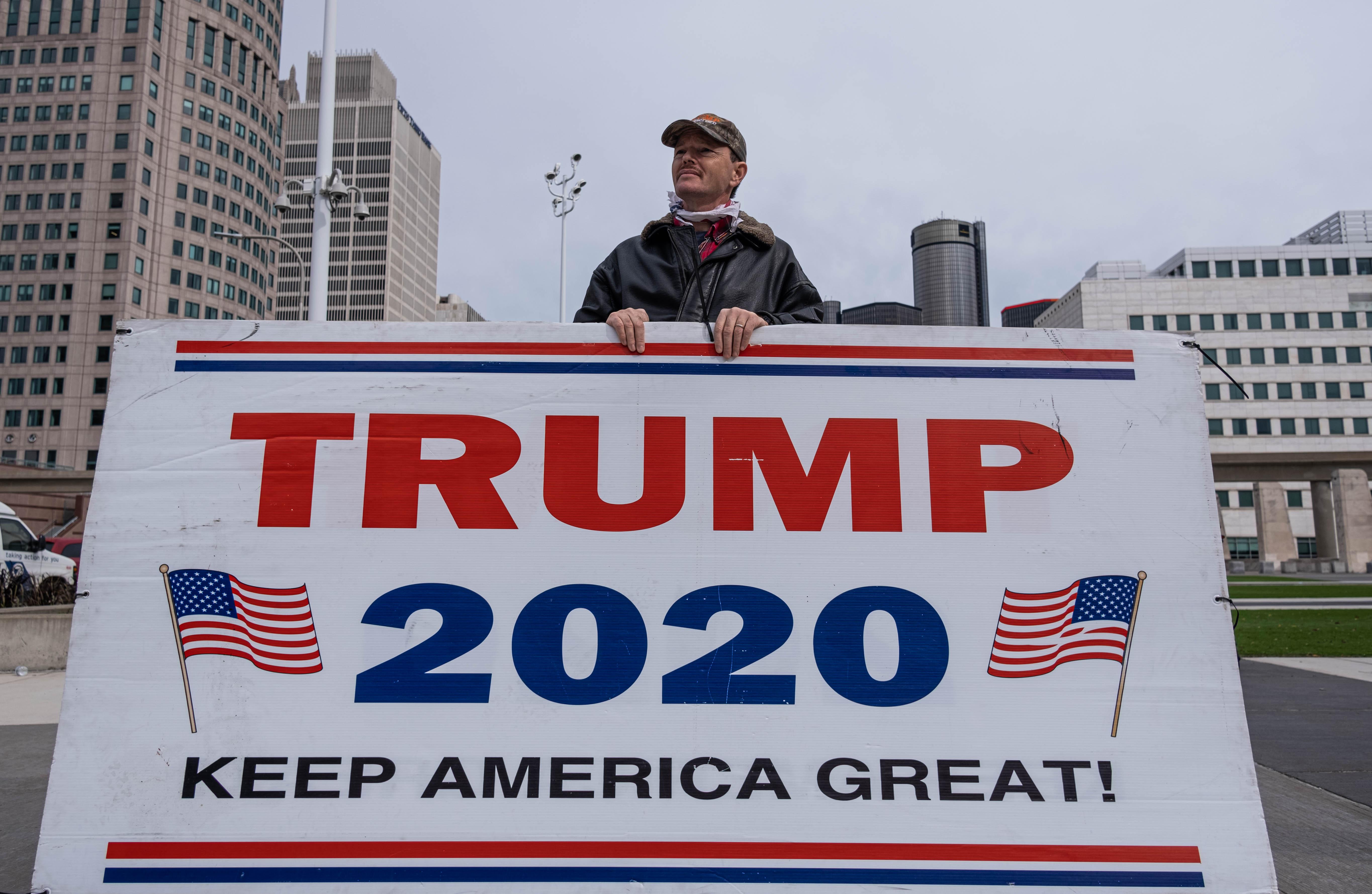 特朗普支持者雲集關鍵州 抗議計票不公