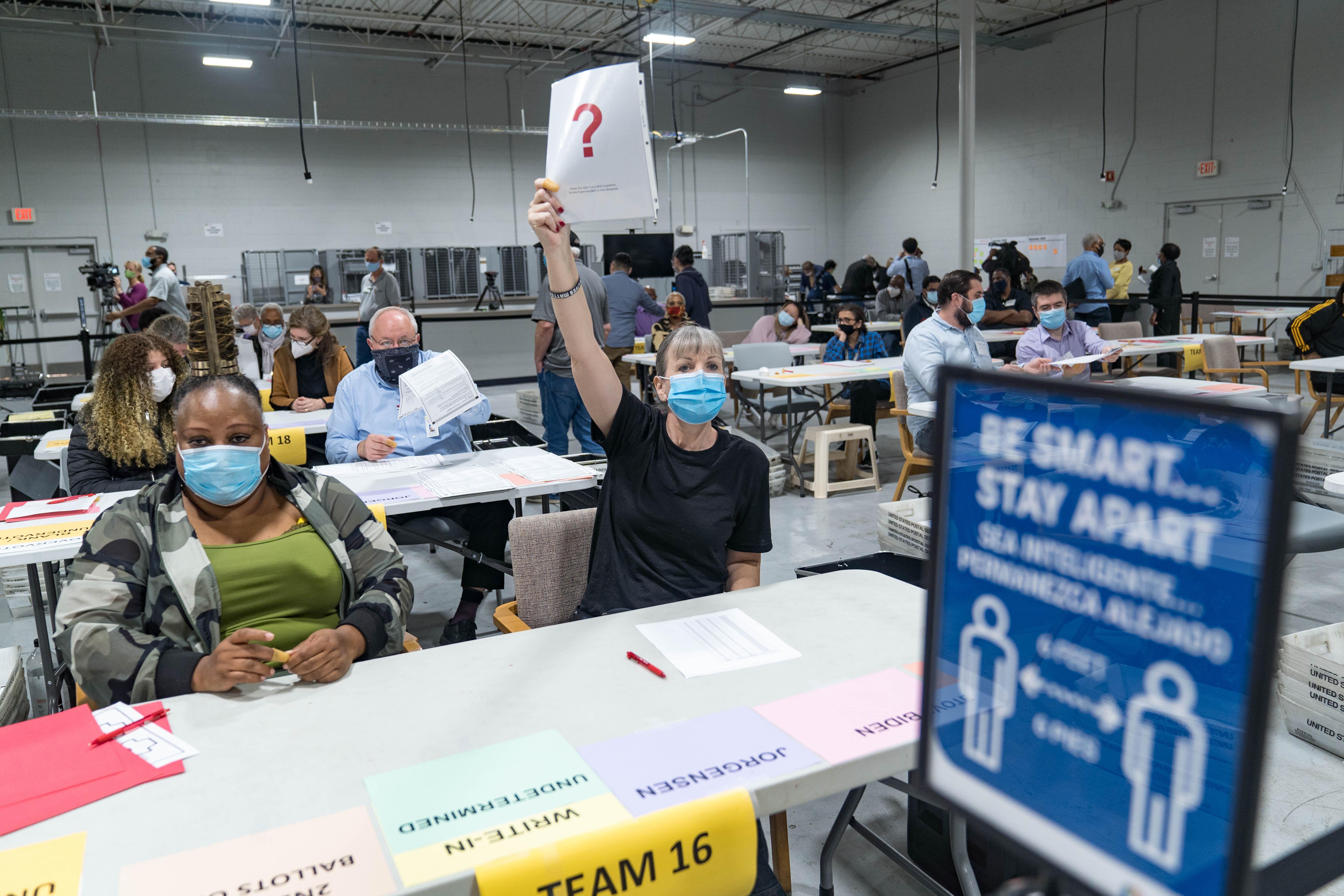 查找選舉欺詐證據 特朗普團隊致電125萬選民