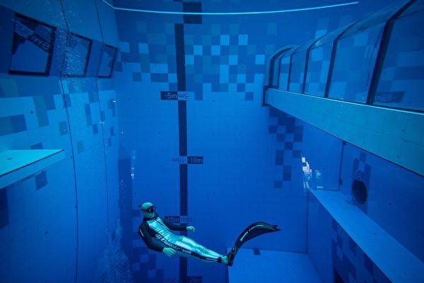 世界最深潛水池在波蘭開幕 可探索水下洞穴