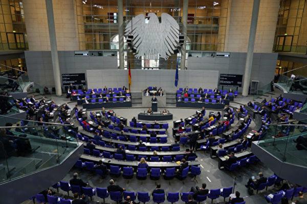 德國火速通過抗疫新法案 在野黨批走向獨裁