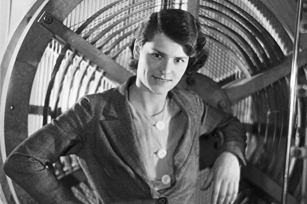 她是怎麼辦到的?美國第一位女戰地通訊記者