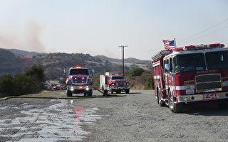 南加州两大火皆获控 控火面积超过80%