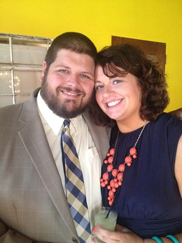 印第安納州凱爾·馬爾卡西·羅賓斯(Kyle Mulcahy Robbins)和姊妹凱迪(Katie Mulcahy Robbins)。(本人提供)