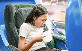 孩子暈車怎麼辦?8招預防 不用吃暈車藥