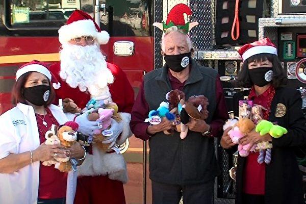斯坦福市消防局 Santa's Convoy-Toy Drive  圣诞玩具捐赠活动开跑