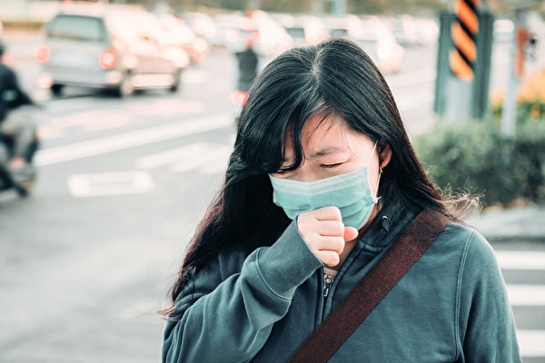"""生活中常见的三个凶手,会造成肺部慢性发炎,引起""""菜瓜布肺""""特发性肺纤维化。(Shutterstock)"""