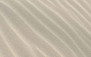 真神奇!日本艺术家用声音让沙子变美丽图案