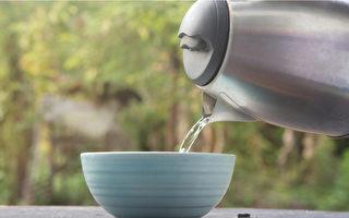 喝水多喝溫開水!不僅改善便祕 有8大好處